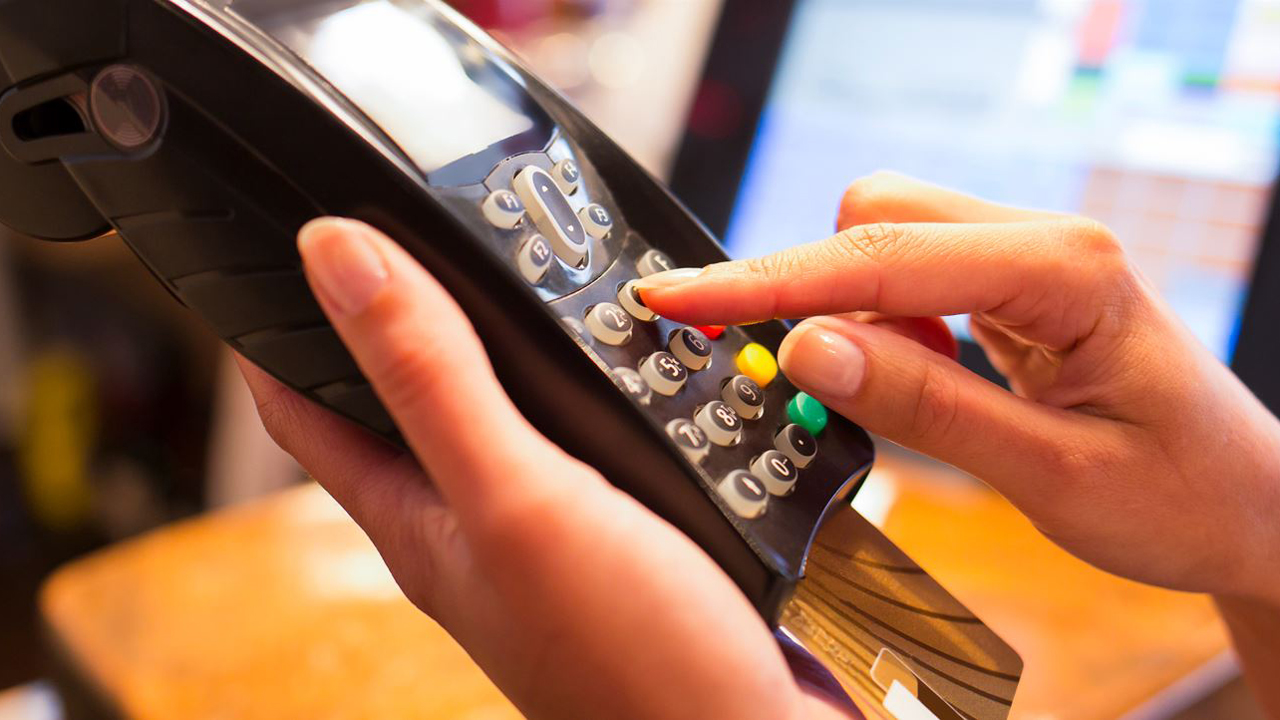 e-Comm Fraud IS Brick-and-Mortar Fraud